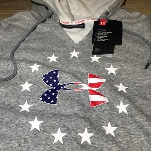 Under Armour Tops - Under Armour Freedom USA Women's Sweatshirt Small